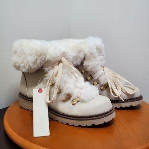 Esprit boots faux fur